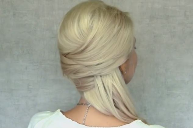 Cute Christmas Hairstyle