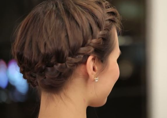 The perfect Halo Braid hairstyle